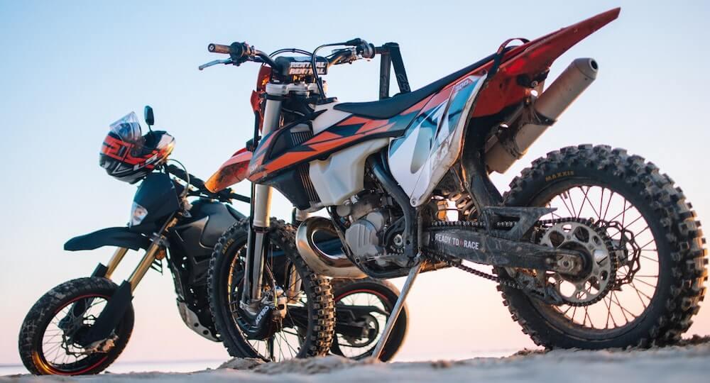 Motorradreifen Profiltiefe Aufgabe