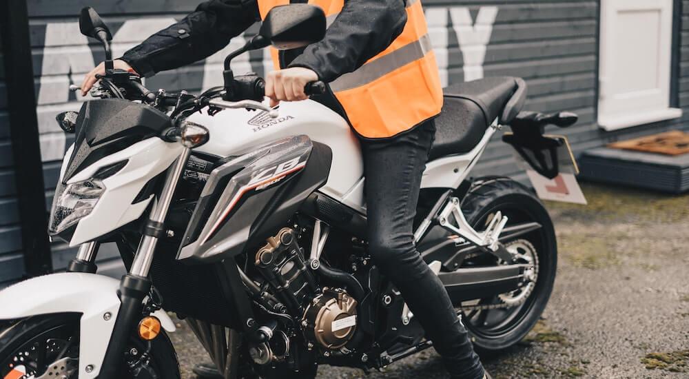 Motorrad Reifenpannenspray im Test