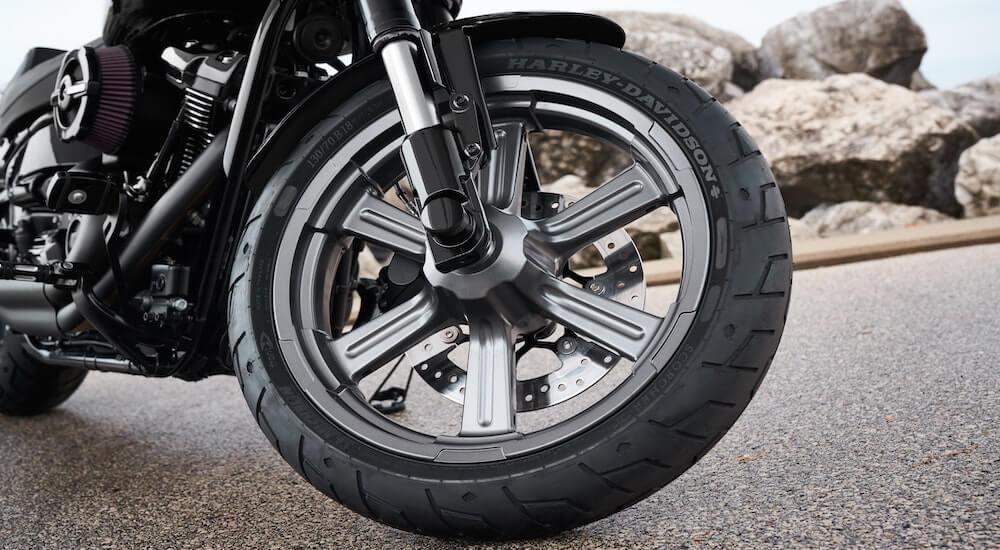 Motorradreifen Glanzspray im Test
